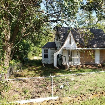 Rent this 3 bed house on Nichols Dr in Choctaw, OK