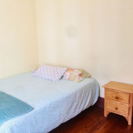 Rent this 3 bed room on Rúa Granada in 11, 36202 Vigo