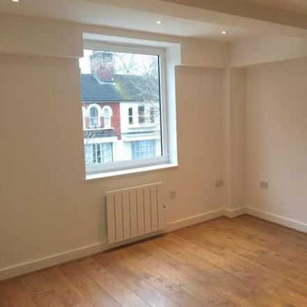 Rent this 1 bed apartment on Scarlets in 46-48 West Street, Dunstable LU6 1TA