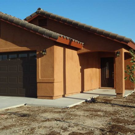 Rent this 3 bed apartment on W 8th Pl in Yuma, AZ