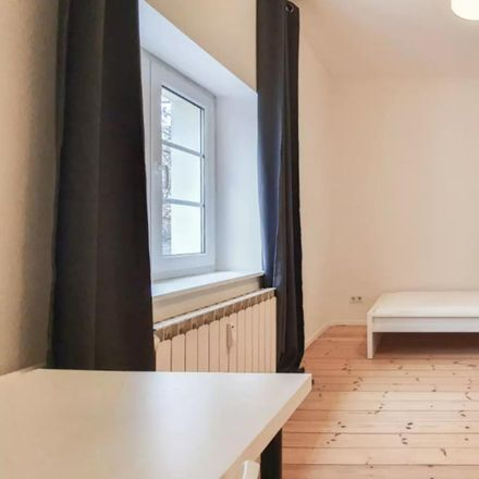 Rent this 5 bed room on Aronsstraße 96 in 12057 Berlin, Germany