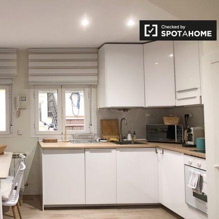 Rent this 2 bed apartment on Calle de Ventura de la Vega in 16, 28014 Madrid