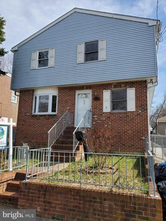 Rent this 4 bed house on 936 Bartram Ave in Darby, PA