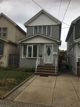 Rent this 3 bed house on 4113 Avenue S in New York, NY 11234