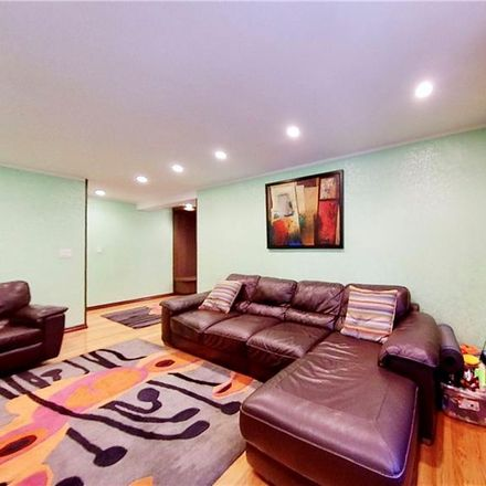 Rent this 3 bed condo on E 7th St in Brooklyn, NY