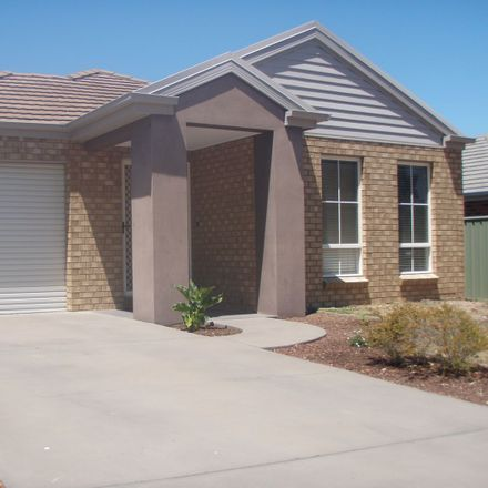 Rent this 2 bed house on Eaglehawk
