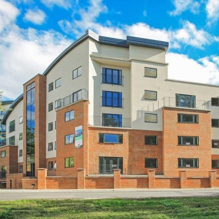 Rent this 2 bed apartment on Tring Sports Centre in Shugars Green, Dacorum HP23 5EH