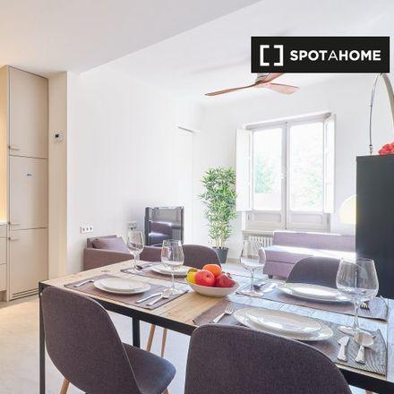 Rent this 2 bed apartment on Parquímetro in Calle del Rosario, 28001 Madrid