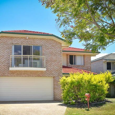 Rent this 4 bed house on 34 Springsure St