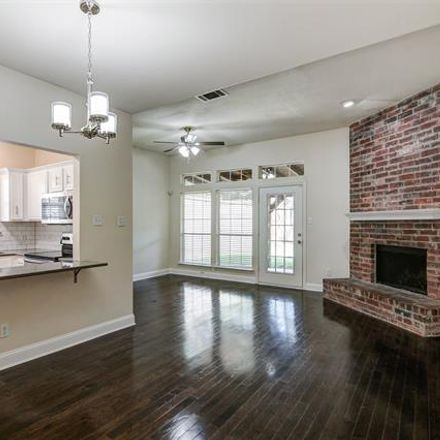Rent this 2 bed duplex on Lewis St in Dallas, TX