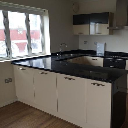 Rent this 2 bed apartment on Castleland Street in Barry CF62, United Kingdom