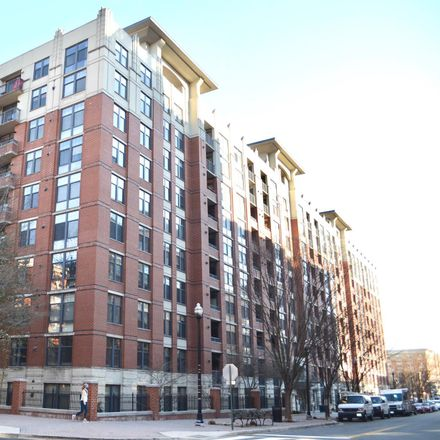 Rent this 1 bed condo on 1021 North Garfield Street in Arlington, VA 22201