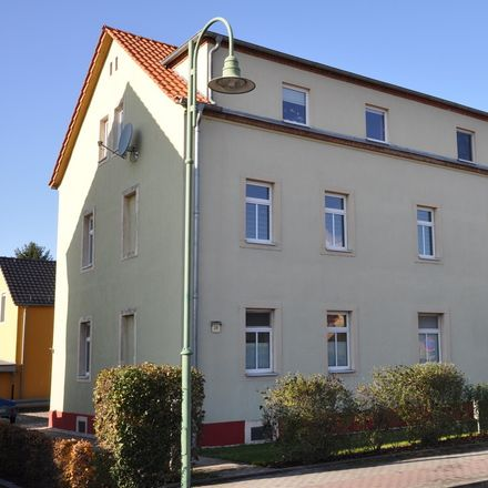 Rent this 2 bed apartment on Pillnitzer Straße 26 in 01454 Radeberg, Germany