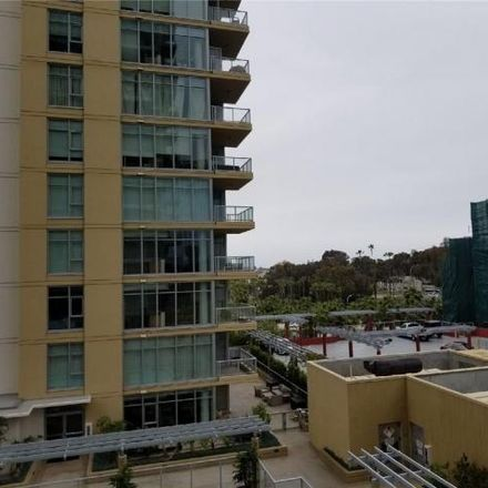 Rent this 2 bed condo on 55 South Chestnut Place in Long Beach, CA 90802