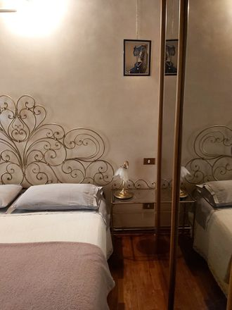 Rent this 3 bed room on Via Leoncino in 42, 37121 Verona VR