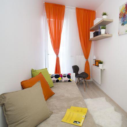 Rent this 4 bed room on Osiedle Krzemowe in Cybernetyki, 02-691 Warsaw