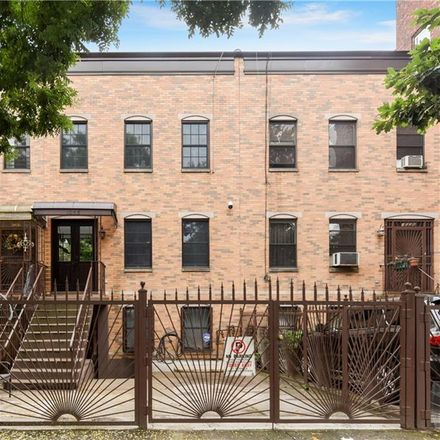 Rent this null bed townhouse on 1058 Lafayette Avenue in New York, NY 11221