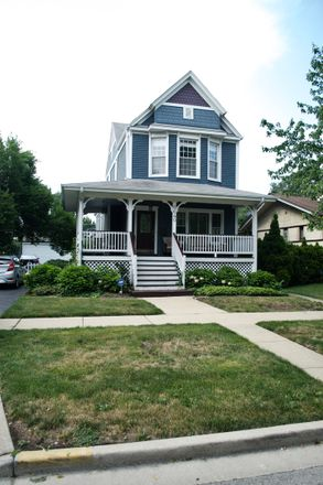 Rent this 4 bed house on 6640 34th Street in Berwyn, IL 60402