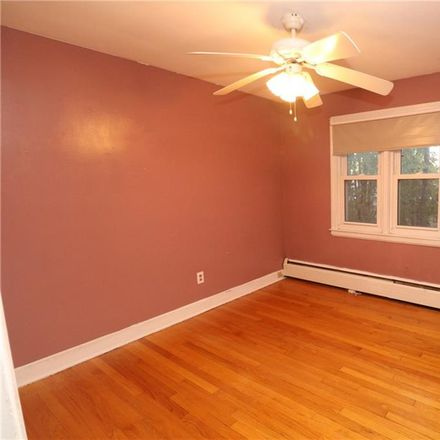 Rent this 3 bed house on 272 Francis Street in New Britain, CT 06053
