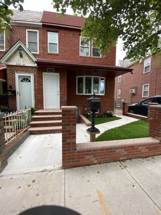 Rent this 3 bed house on 204th St in Saint Albans, NY