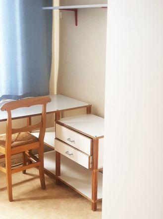 Rent this 12 bed room on Rue de la Prévoyance in 5000 Namur, Belgique