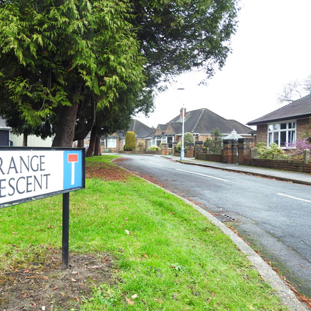 Rent this 2 bed house on Grange Crescent in Anlaby HU10 7AU, United Kingdom