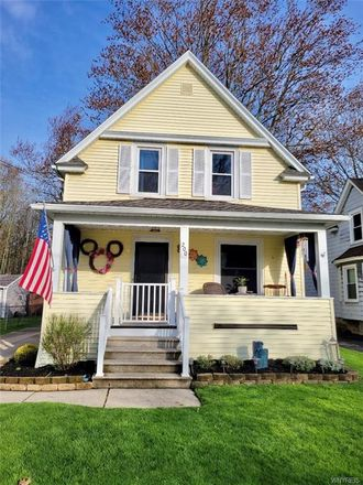 Rent this 3 bed house on 200 East Felton Street in North Tonawanda, NY 14120