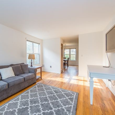 Rent this 2 bed house on Morris Ave in Summit, NJ