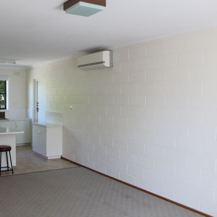Rent this 2 bed apartment on 2/421 West Tamar Road