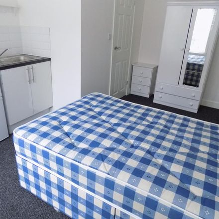 Rent this 1 bed room on Chatsworth Road in Luton LU4 8AS, United Kingdom