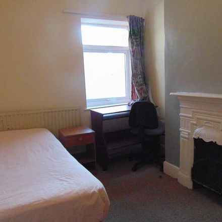 Rent this 4 bed house on 25 Gordon Avenue in Southampton SO17 2FU, United Kingdom