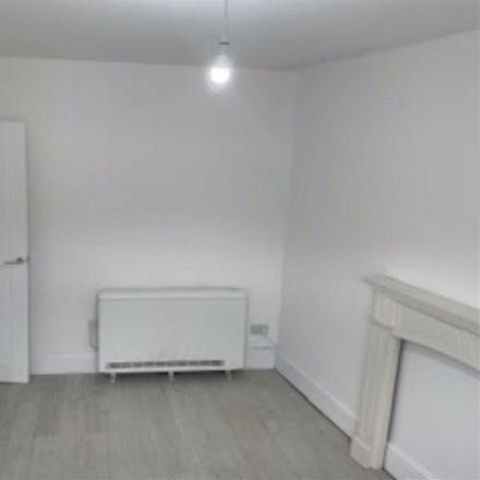 Rent this 2 bed house on Barclays Bank in Mountain Ash, Commercial Street