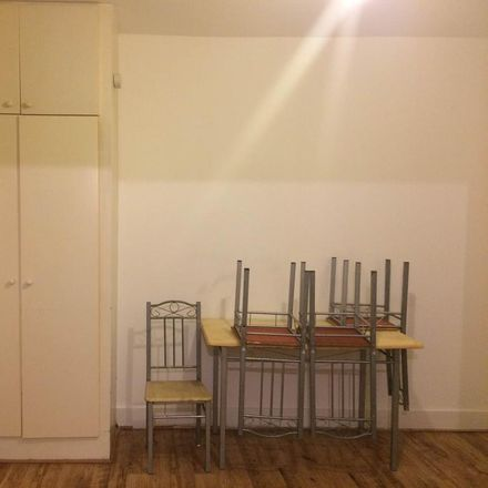 Rent this 1 bed apartment on Kingsley Road in London TW3 4AJ, United Kingdom