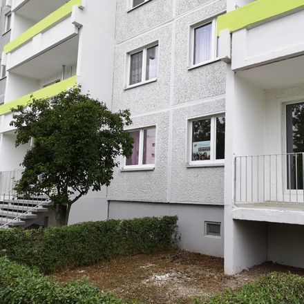 Rent this 4 bed apartment on Weißenfelser Straße 37 in 06132 Halle (Saale), Germany