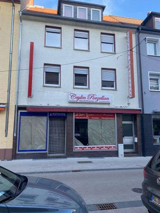 Rent this 3 bed apartment on Lindenstraße 8 in 63450 Hanau, Germany