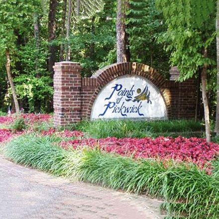 Rent this 0 bed apartment on Bluff Creek Pt in Savannah, TN