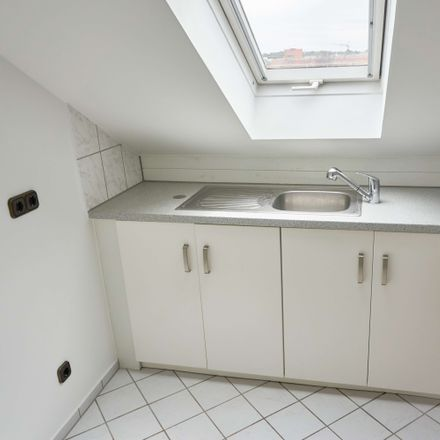 Rent this 2 bed loft on Schwanheimer Straße 34 in 60528 Frankfurt, Germany