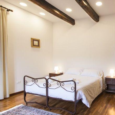 Rent this 2 bed room on Palazzi dell'Esedra in Piazza della Repubblica, 00184 Rome RM