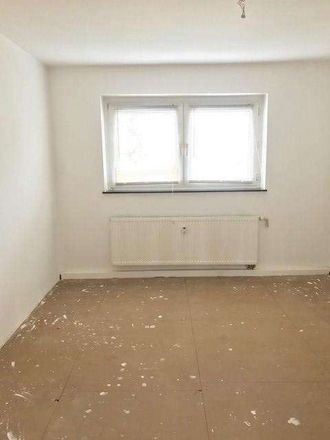 Rent this 2 bed apartment on Stresemannplatz 37 in 45665 Recklinghausen, Germany