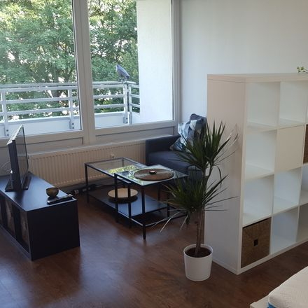 Rent this 1 bed apartment on Behindertenparkplatz in Am Stutenanger, 85764 Oberschleißheim