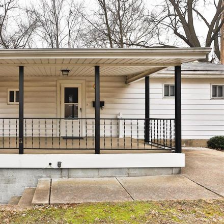 Rent this 4 bed house on 1011 Kuhlman Lane in Webster Groves, MO 63119