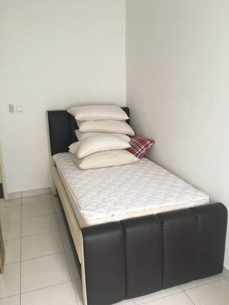 Rent this 1 bed apartment on Jalan MR 2/14 in 48020, Selangor