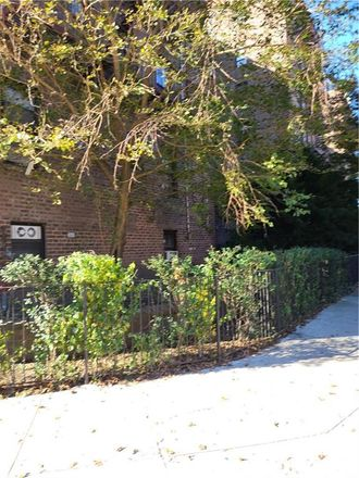 Rent this 1 bed condo on 26 Cass Place in New York, NY 11235