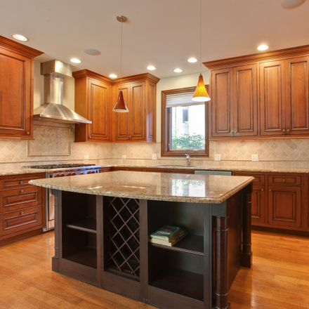Rent this 5 bed house on 547 Hawthorn Lane in Winnetka, IL 60093