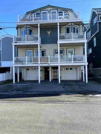 Rent this 4 bed townhouse on 1530 Yacht Avenue in Cape May, NJ 08204