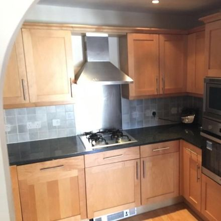 Rent this 2 bed apartment on Bentham House in Falmouth Road, London SE1 4YG