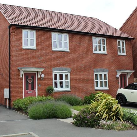 Rent this 3 bed house on Sports and Social Club in Bridgewater Road, East Staffordshire DE14 2GD