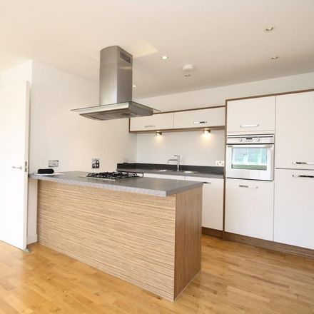 Rent this 2 bed apartment on The Pulse in Crown Lane, Maidenhead SL6 1QR