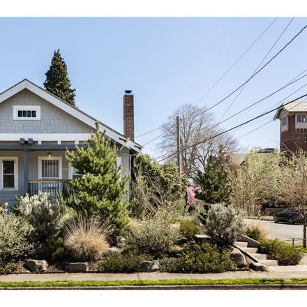 Rent this 3 bed house on 3834 Southeast 33rd Avenue in Portland, OR 97202