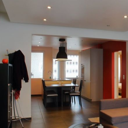 Rent this 2 bed apartment on Europcar in Avenue d'Auderghem - Oudergemlaan, 1040 Etterbeek